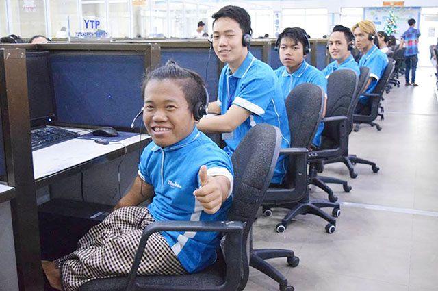 Myint Htun Oo, 02 Customer Service Representative Staff, 1875 Call Centre, Blue Ocean Operating Management Co.